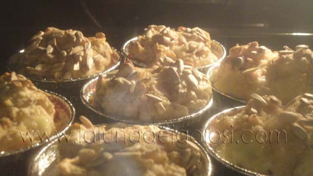 muffin mentre lievitano in forno
