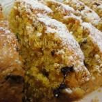 Plum cake alle carote, con mandorle e caprino