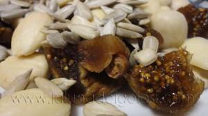 Fichi, mandorle e semi di zucca per preparare un pane golosissimo!