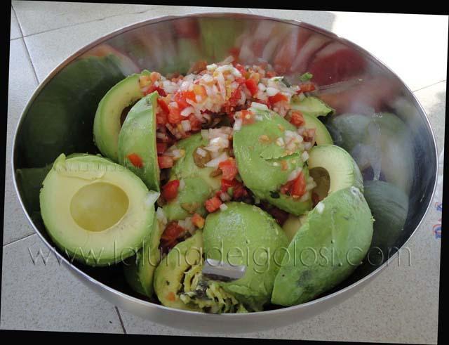 Guacamole original de Méjico: mezcla todos los ingredientes
