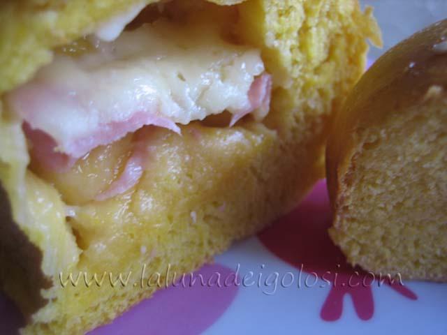 Panini alla zucca ripieni di formaggio e prosciutto: provali!
