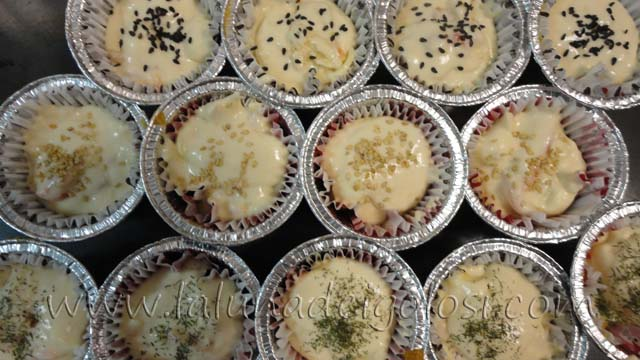 muffin salati con salmone e formaggio: riempi i pirottini