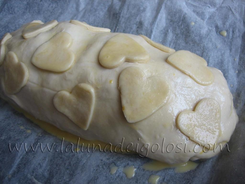 Strudel salato al prosciutto, formaggio e funghi: io ho fatto dei cuoricioni, che romanticona eh