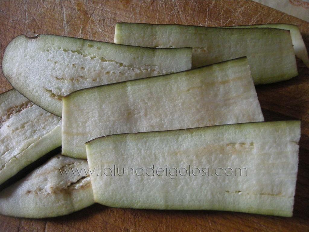 Pasta al forno con melanzane : lava e affetta le melenzane