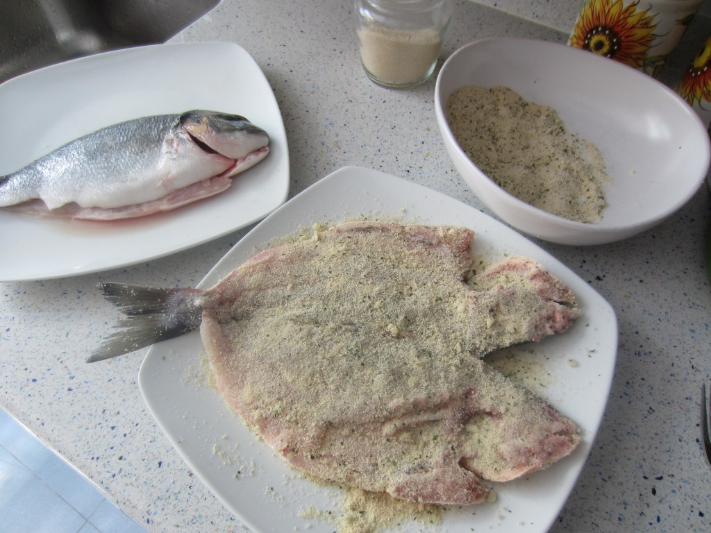 occorrono circa 180 g di pane , 1/2 spicchi d'aglio e due cucchiai di prezzemolo tritato