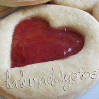 Con la marmellata di fragole otterrai un bel cuore ROSSO!