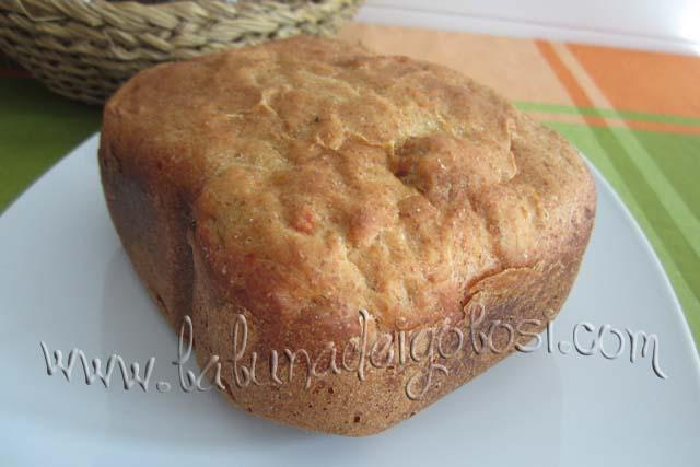 Quando il pane è fatto, lascialo raffreddare su una gratella