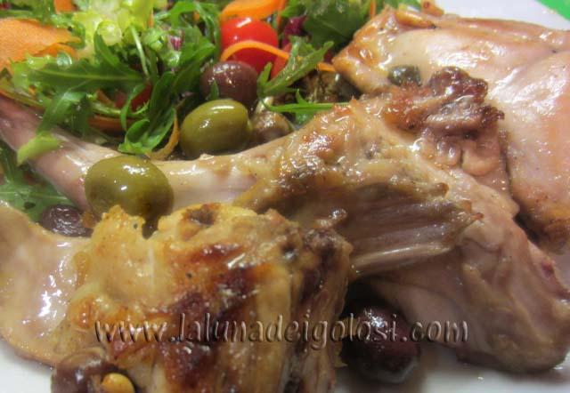 coniglio olive e pinoli