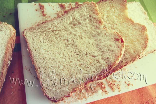 Fette di Pane Bianco Semplice fatto con MdP