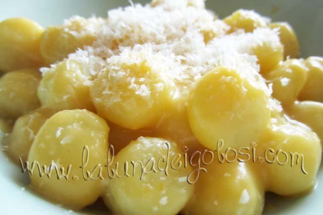 Servi con abbondante parmigiano