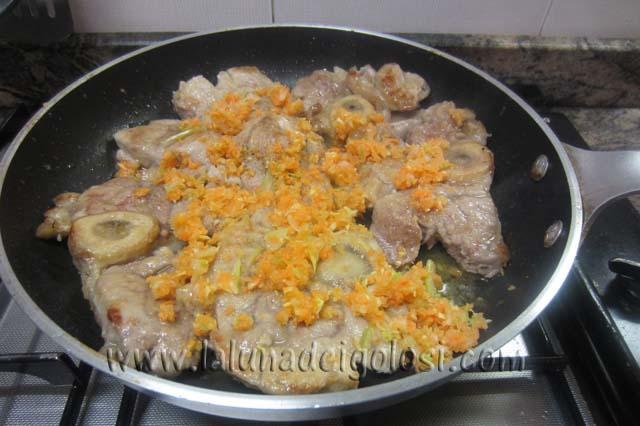 il trito di aglio, carota cipolla e sedano