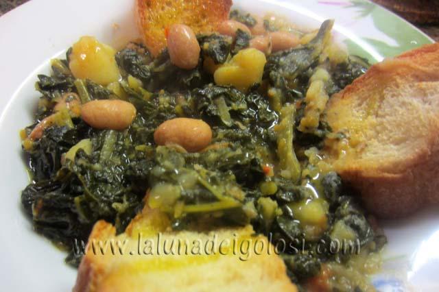 Zuppa con Cavolo Nero e Crostini