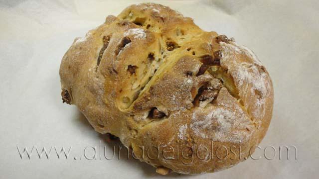 Pan de higos y almendras